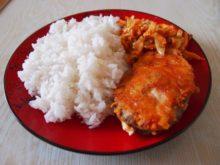 Красная рыба в сыре с овощами