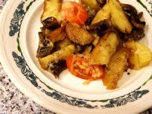 Картошка с грибами и помидорами под сыром