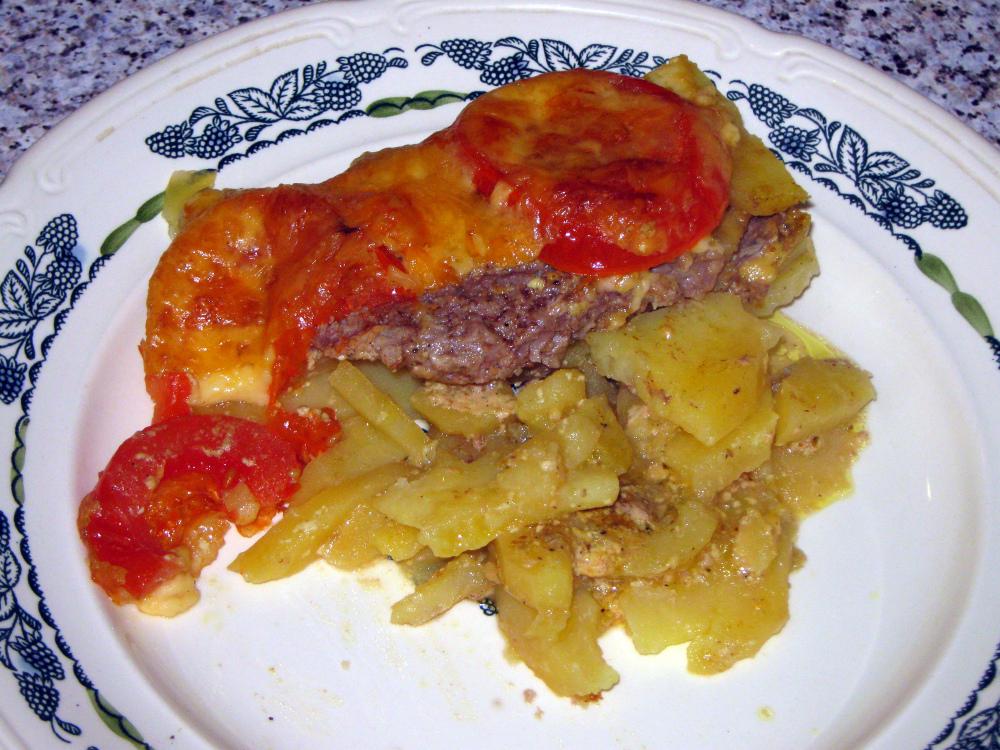 Говядина с картофелем в сливках под сыром