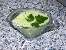 Соус из сливочного сыра и зелени