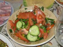 Овощной салат с зелёным горошком