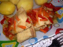 Тилапия с розмарином и овощами
