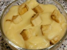 Десерт с савоярди, заварным кремом и бананом