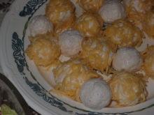 Закуска из плавленного сыра с чесноком и крабовыми палочками