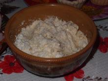 Плавленный сыр с чесноком, сельдью и майонезом