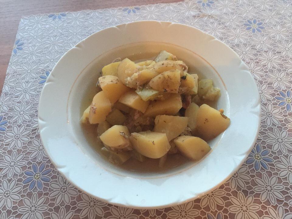 Картофель с кабачками и мясом в мультиварке