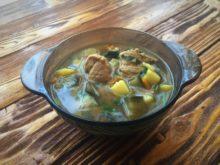 Ароматный суп с баклажанами в мультиварке