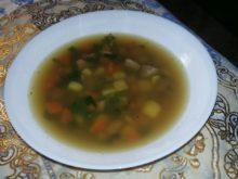 Суп с куриной печенкой и фасолью