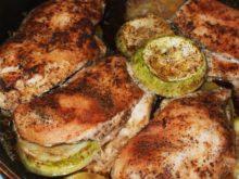 Куриное филе с кабачками в духовке