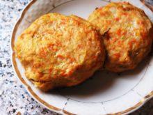 Куриные котлеты с кабачком и морковью в духовке