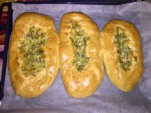 Лепешки с сыром, зеленью и чесноком