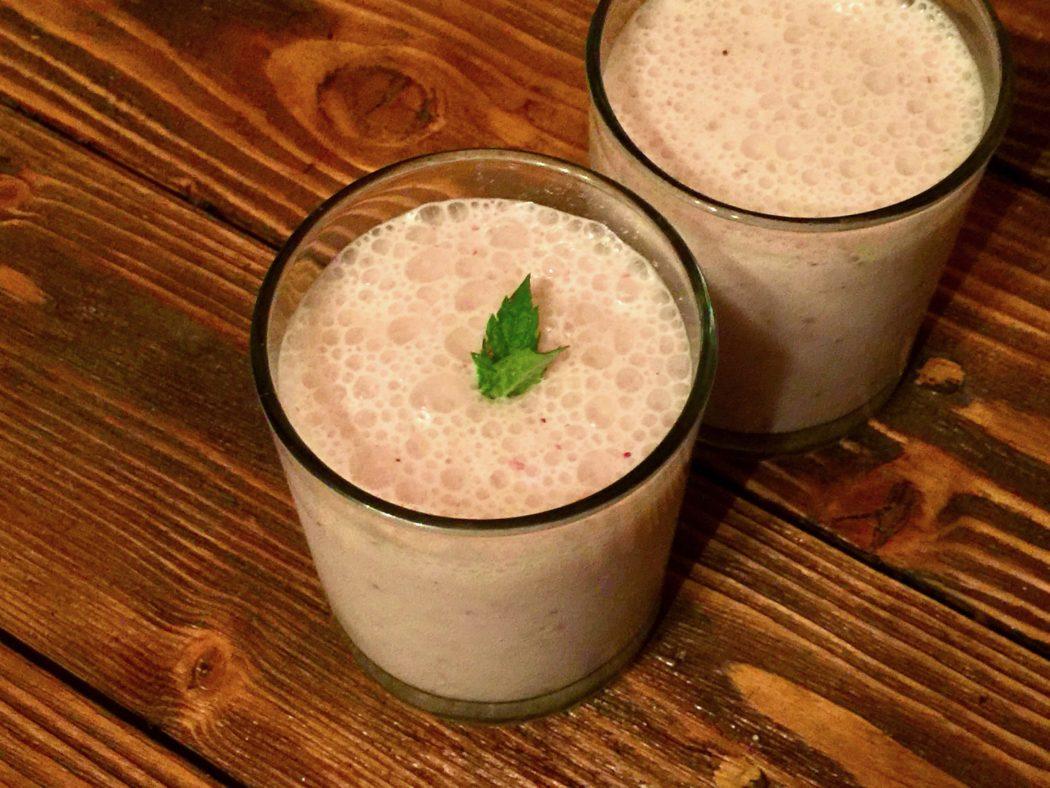 Земляничный йогурт с мятой